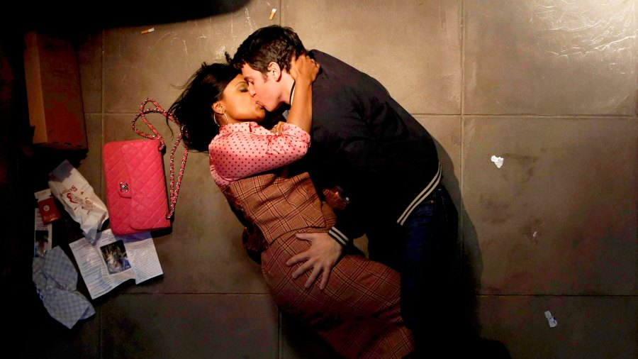 Mindy Kaling and Chris Messina as Mindy and Danny on 'Mindy Project'