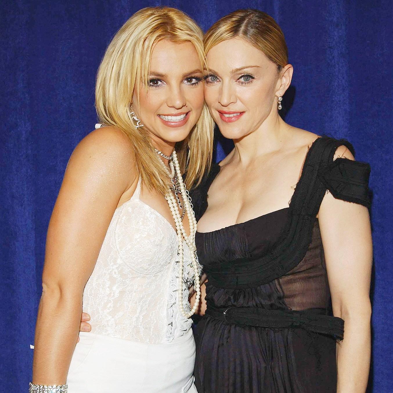 Britney Spears, Madonna, Toxic, VMAs