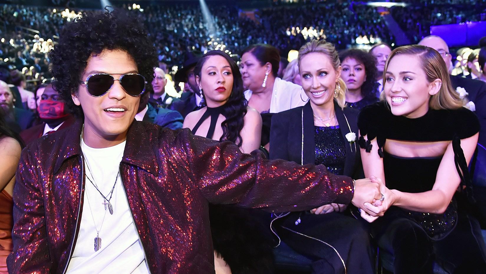 Bruno Mars Miley Cyrus Grammys 2018