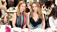 Mena-Suvari-and-Alicia-Silverstone