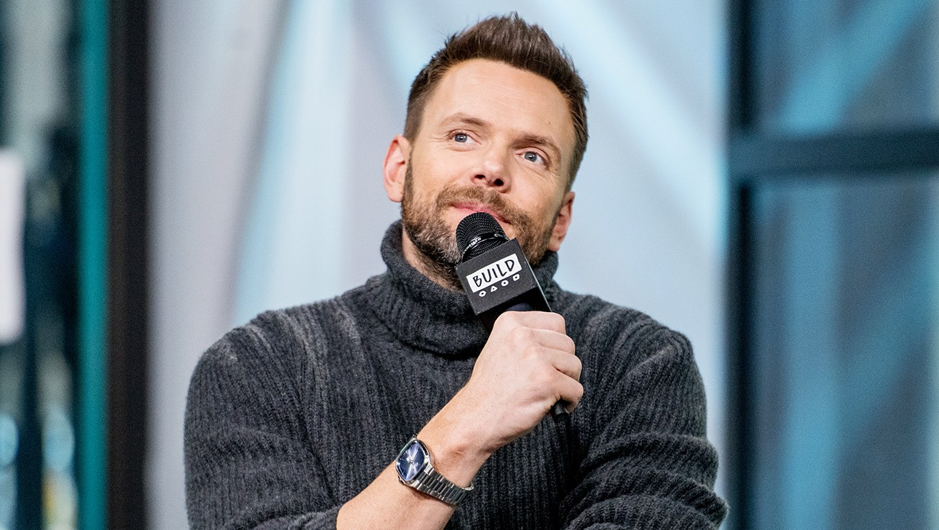 Joel McHale Kardashian Jokes The Soup