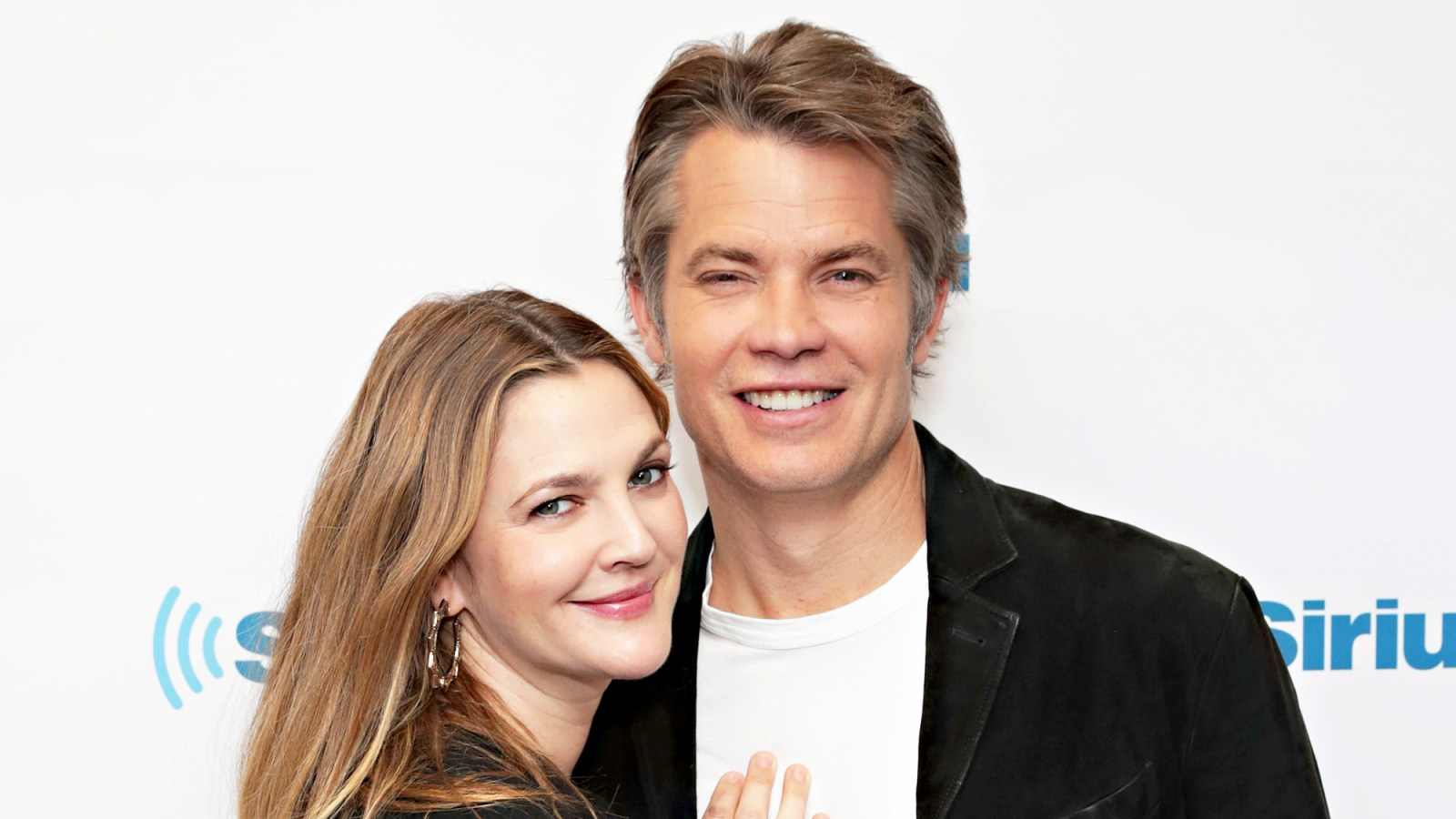 Santa Clarita Diets Drew Barrymore Lies To Her Kids About One Thing
