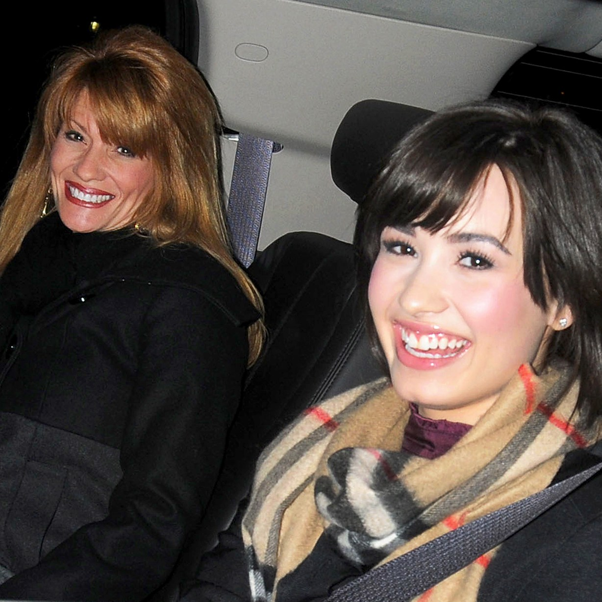 Demi Lovato and her mom Dianna De La Garza leave hotel in New York City.