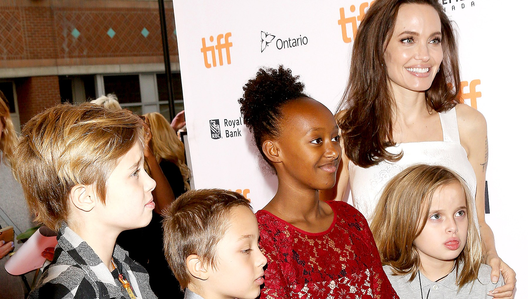 Angelina-Jolie-Tomb-Raider-kids