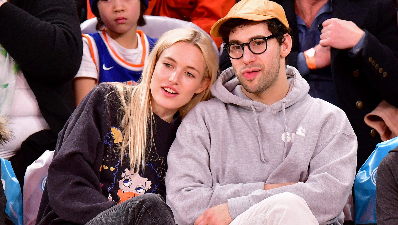 Carlotta Kohl, Jack Antonoff, Courtside, New York Knicks, Charlotte Hornets, NBA Game