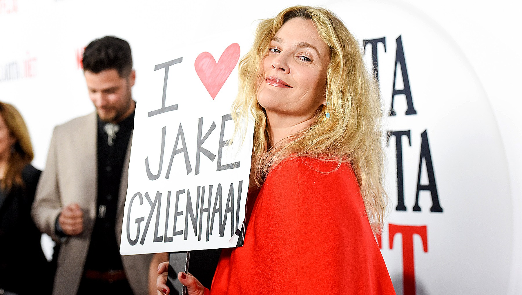 drew-barrymore-jake-gyllenhaal-sign