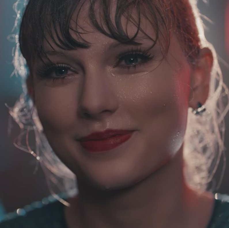 "Taylor Swift ""Delicate"" video"