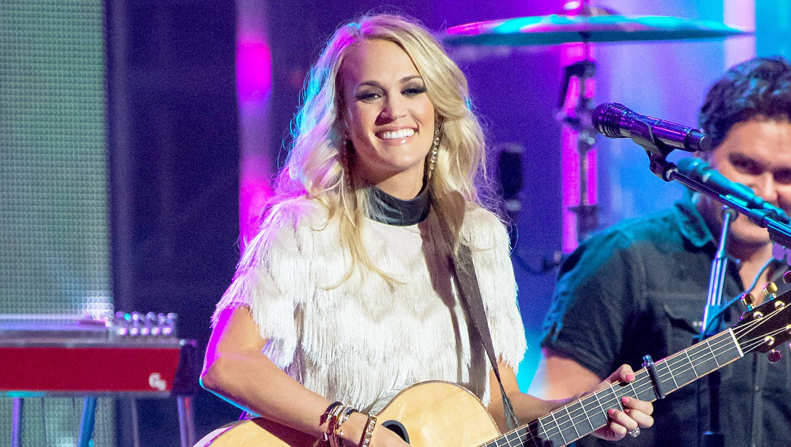 Carrie Underwood performs on 'Jimmy Kimmel Live' on October 27, 2015 in Los Angeles, California.
