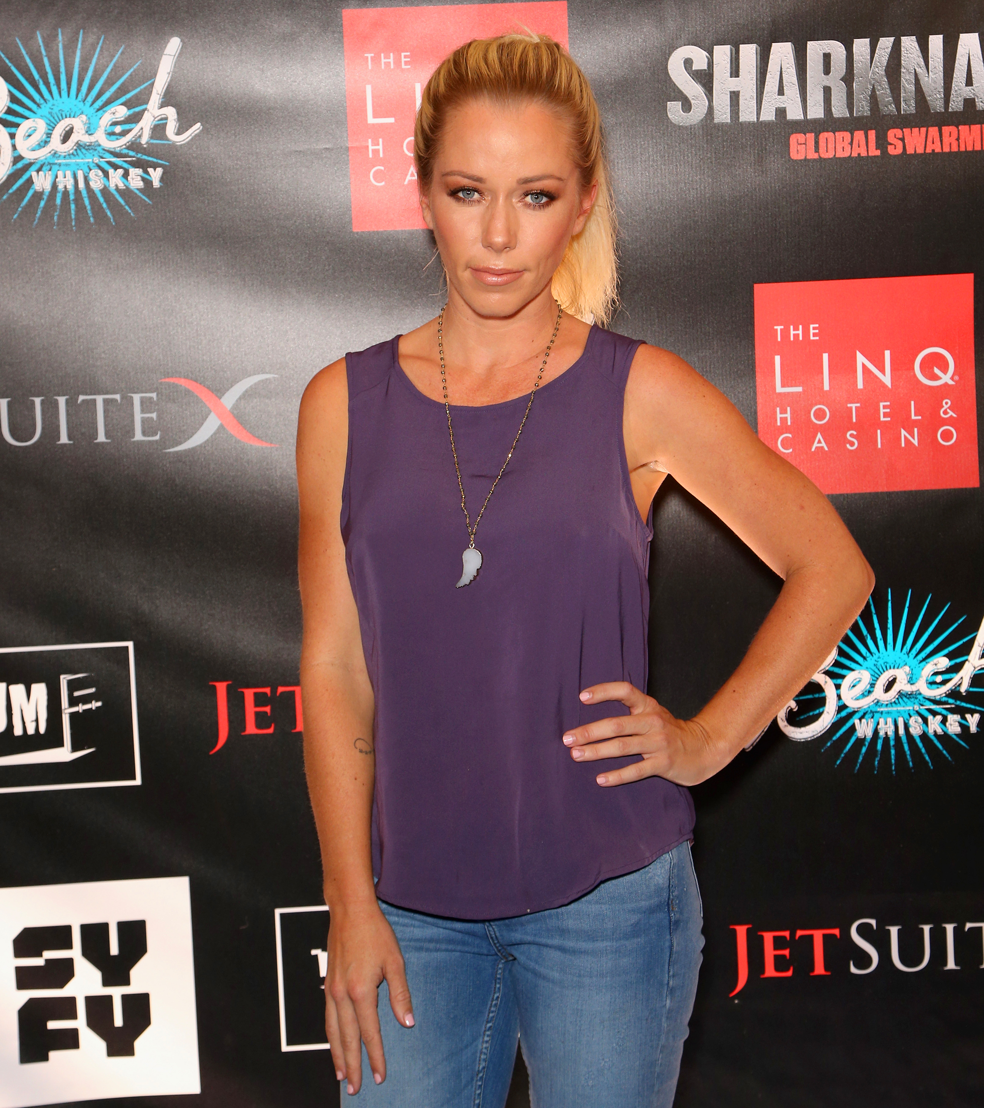 Kendra Wilkinson Formally Files for Divorce From Hank Baskett