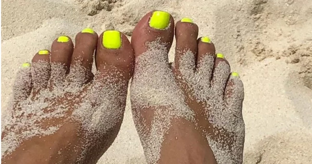 Neon Yellow Nail Polishes Inspired by Kim Kardashian