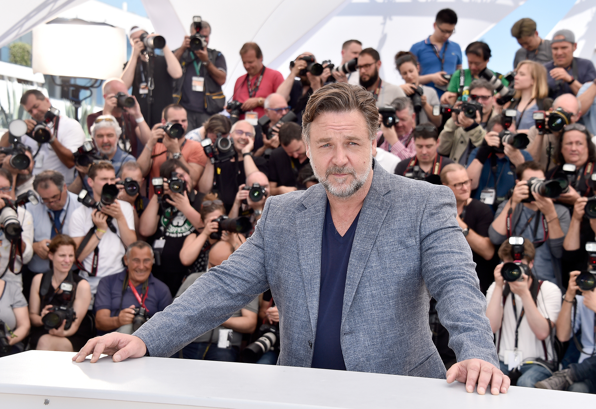 Russell-crowe 'divorce' auction sells millions worth of movie props