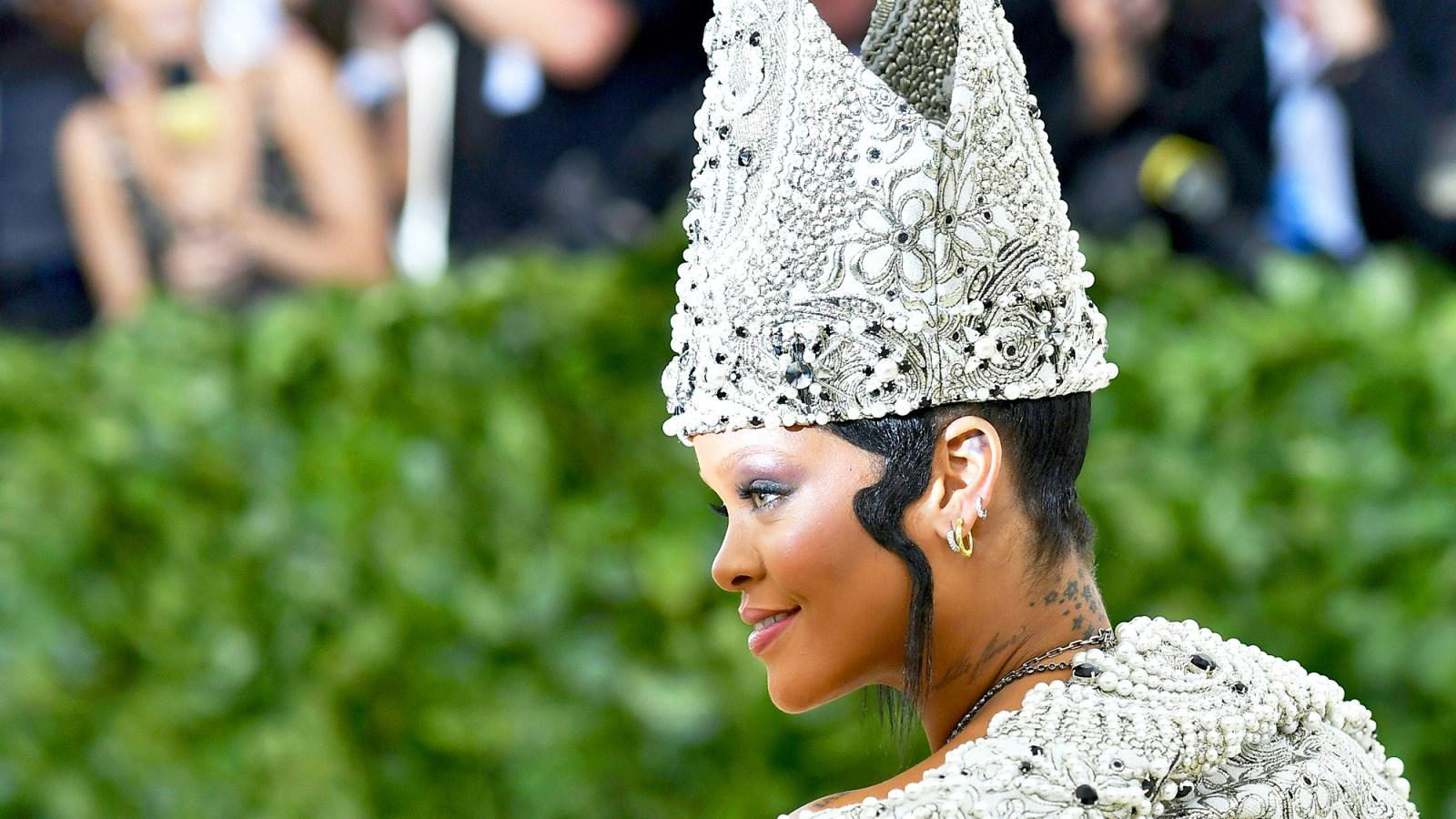 Met gala 2018 hair accessories crowns veils headpieces izmirmasajfo