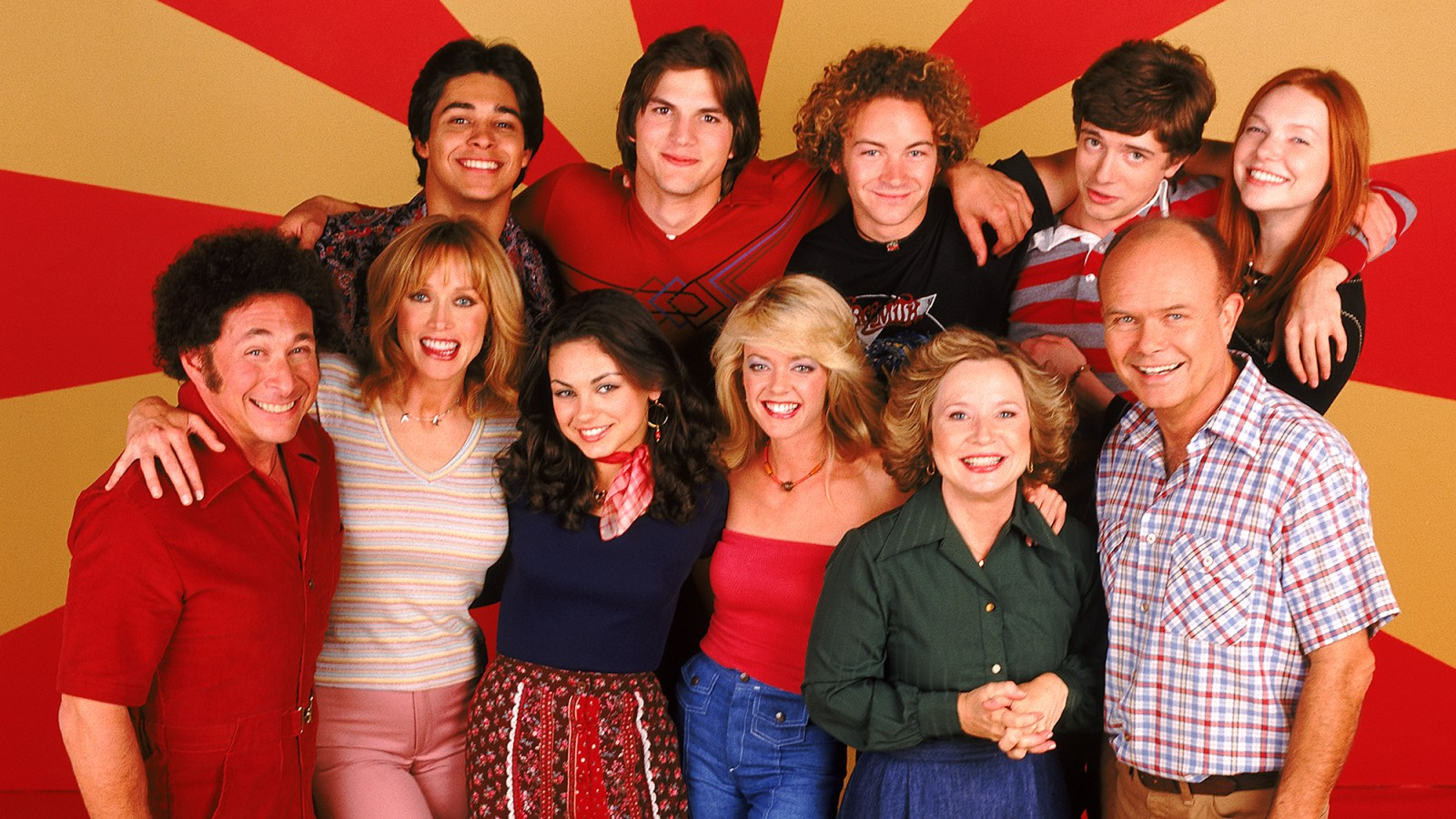 topher grace says hed for sure do a that 70s show reboot - That 70s Show Christmas Episodes
