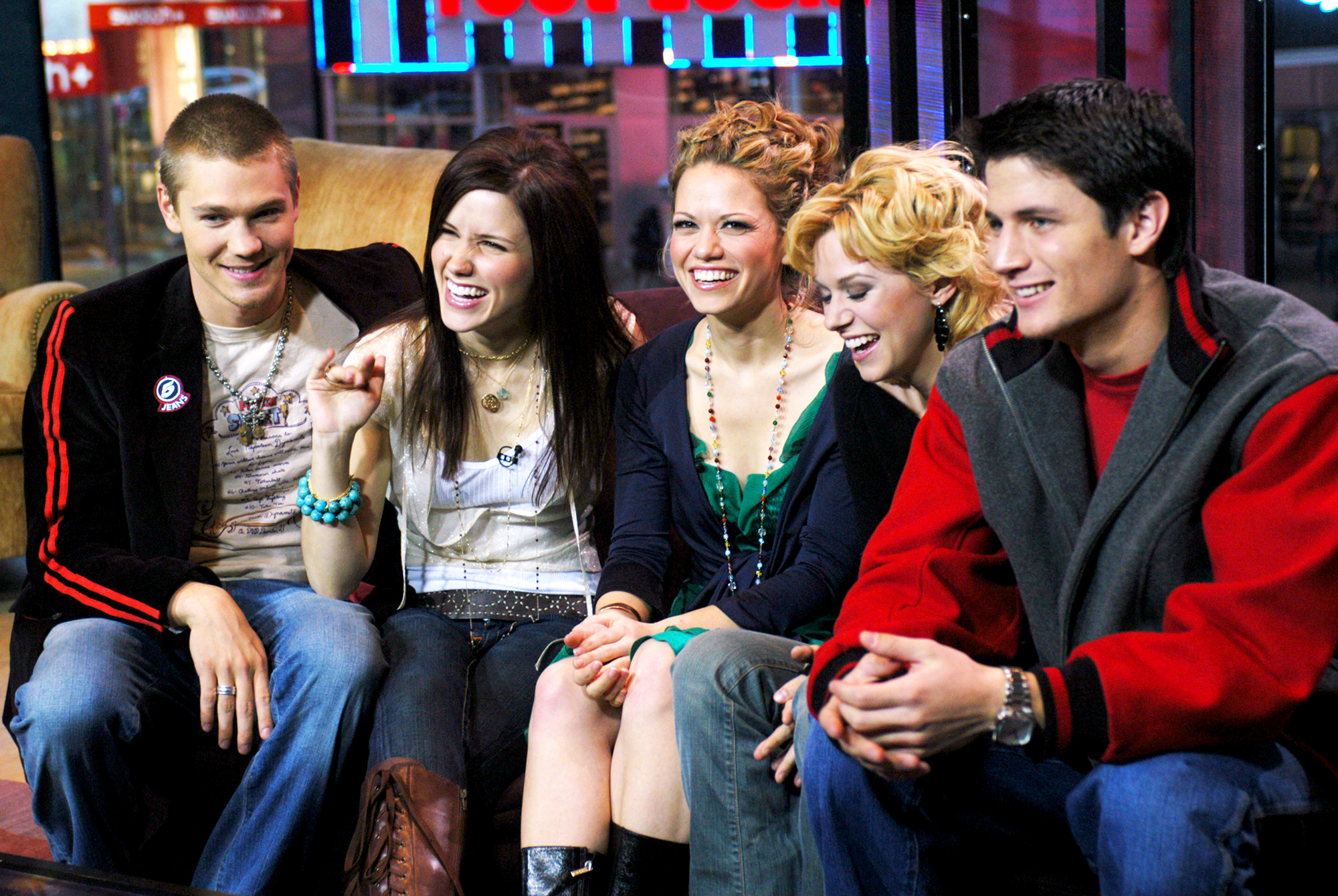 'One Tree Hill' stars to reunite for Lifetime movie 'The Christmas Contract'
