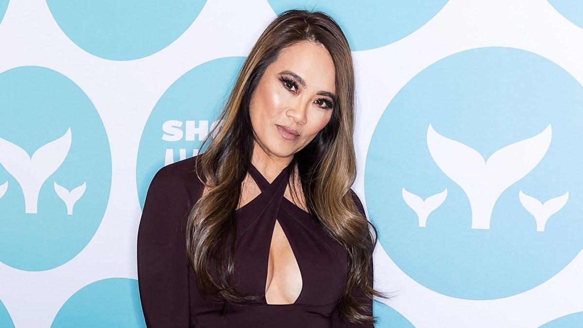 TLC Announces Six Episode 'Dr  Pimple Popper' Series