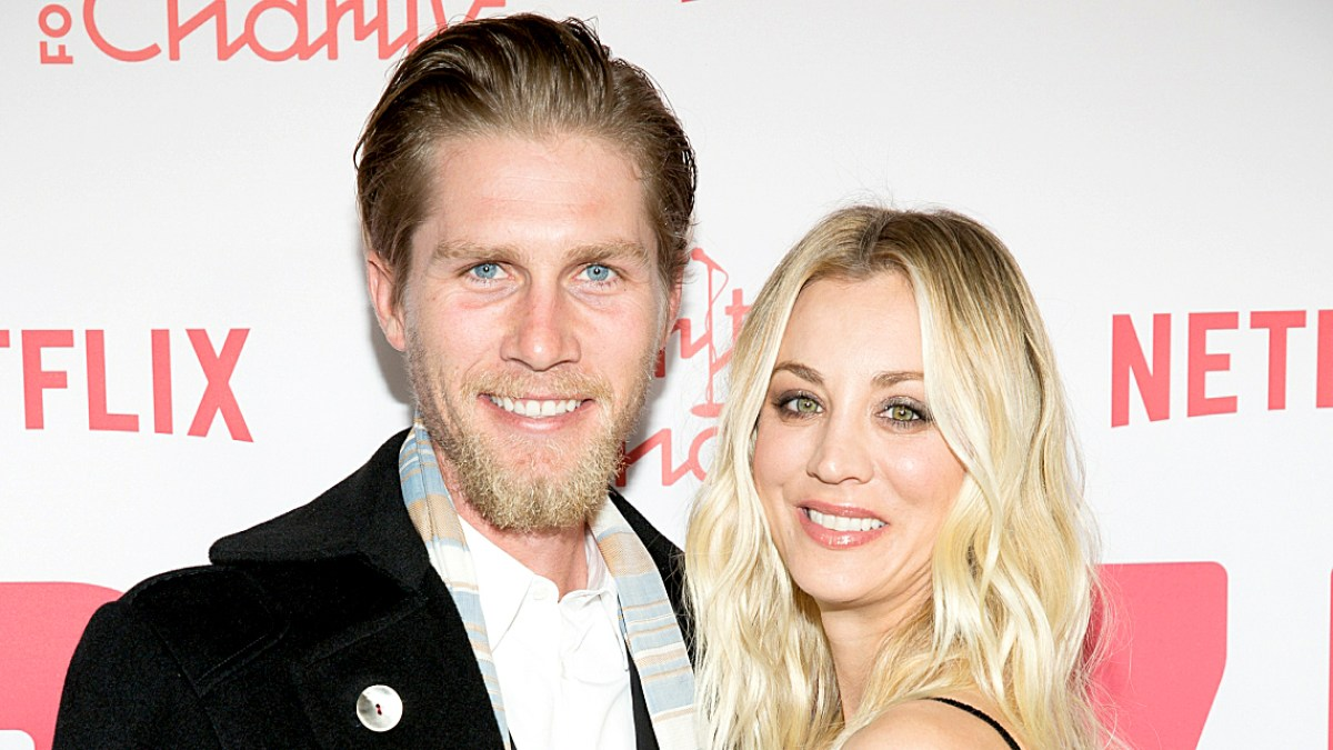 94db6da1947 Kaley Cuoco Marries Karl Cook  Wedding Details