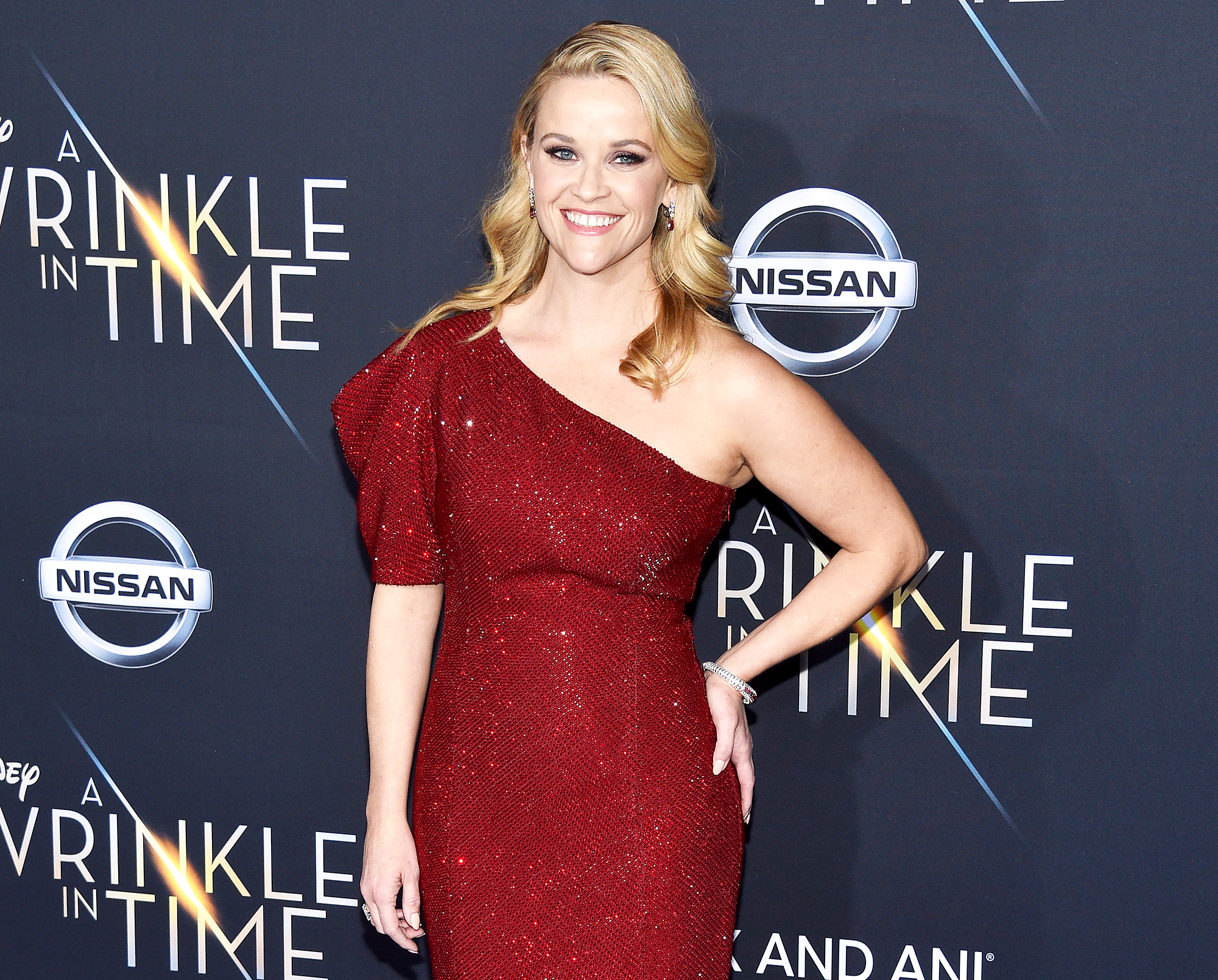 Reese Witherspoon confirms 'Legally Blonde 3' in pink bikini