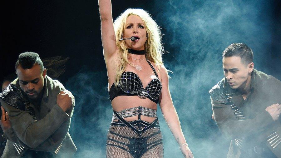 Britney Spears, Wardrobe Malfunction, Freakshow