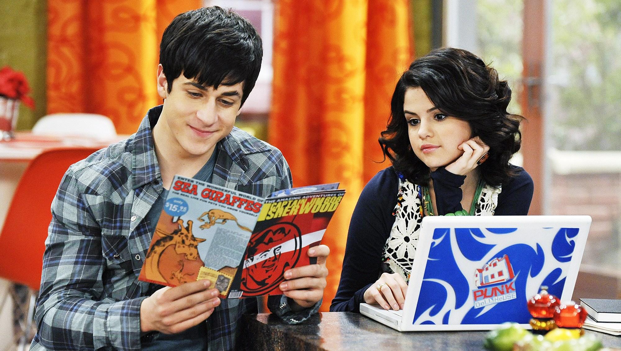 David Henrie Selena Gomez Wizards of Waverly Place
