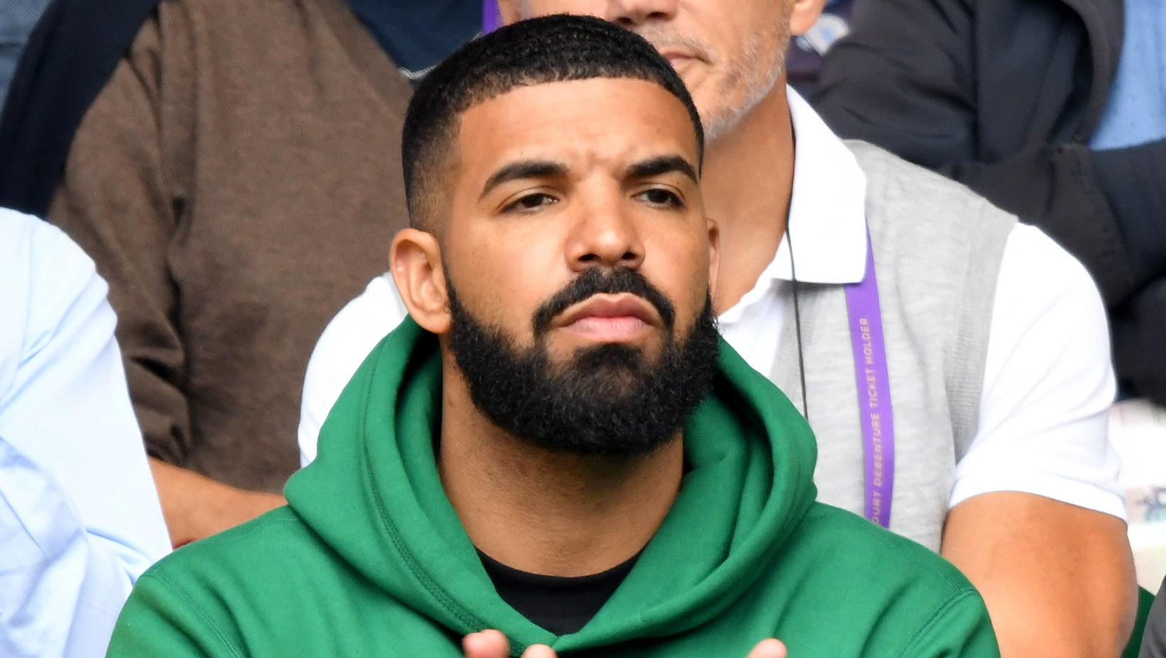 Drake-Cheers-on-Serena-Williams-at-Wimbledon