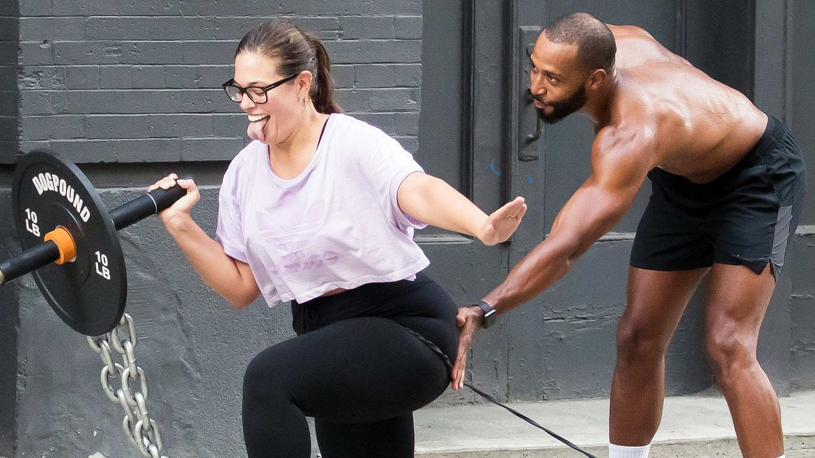 2e9c5633790bf Ashley Graham Shows Off Her Strength With NYC Sidewalk Workout