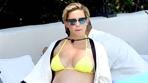 kate-hudson-pregnant-bikini