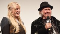 neil young daryl hannah secretly married