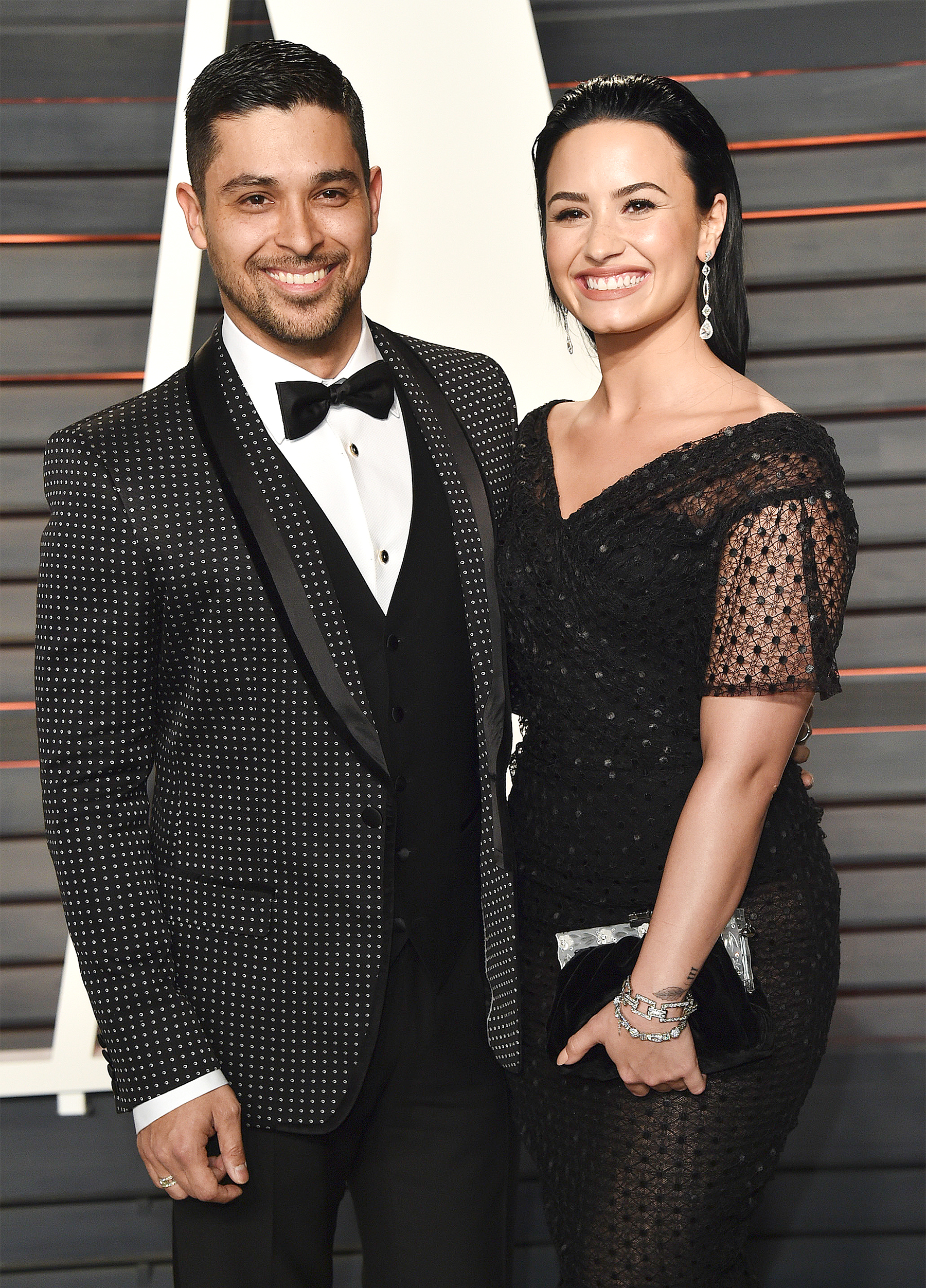 Beauty Buzz: Demi Lovato Gives Wilmer Valderrama A Facial, Long-wear Lipsticks to Try,More
