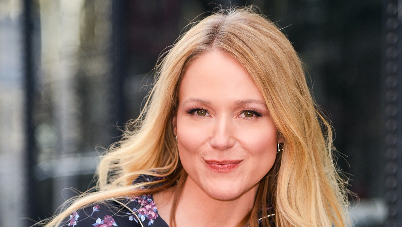 Jewel Shares Her Stay-Calm Secrets: I Use Mindfulness Hacks to 'Rewire My Brain'