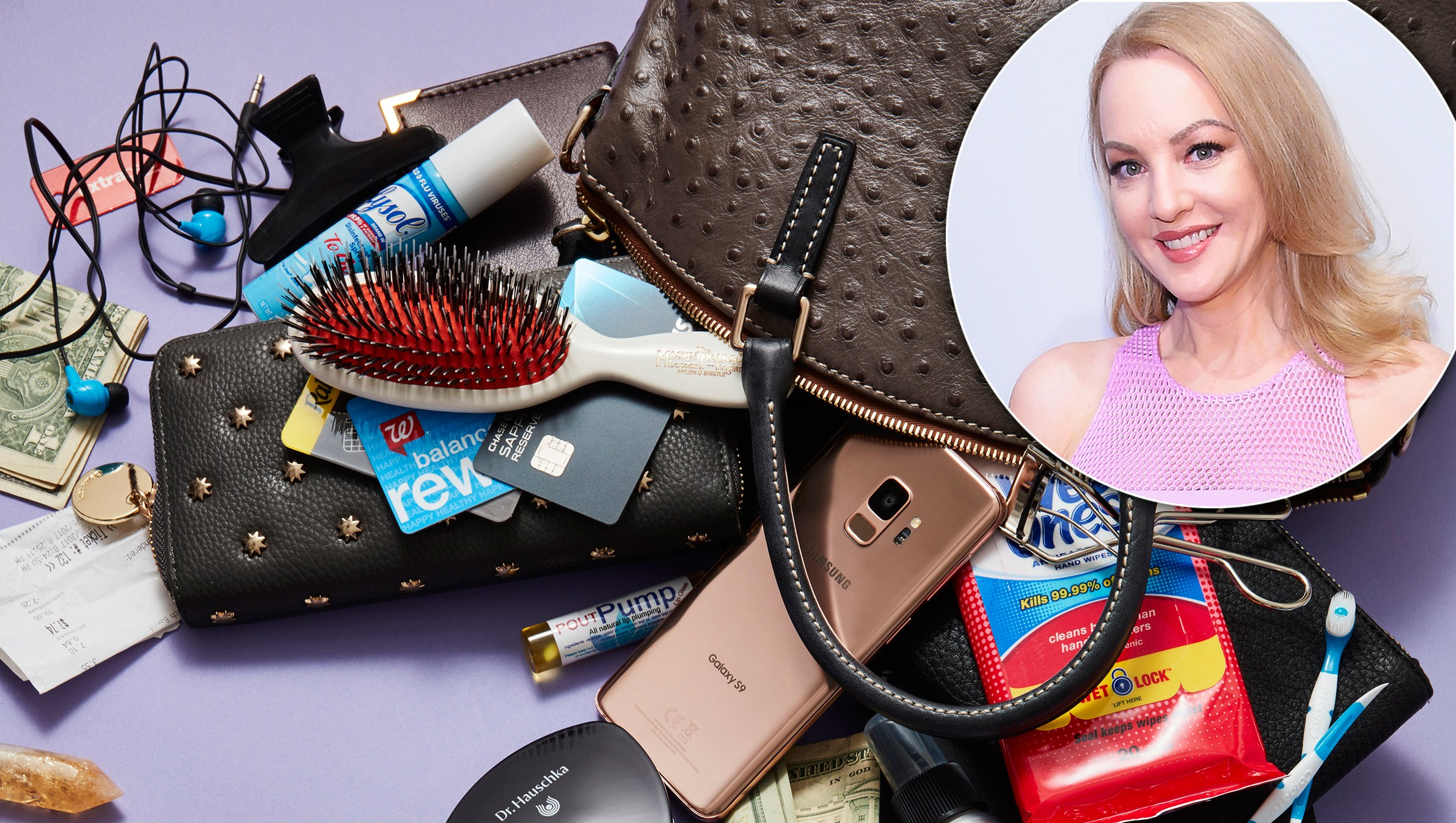 Wendi-McLendon Covey: What's in My Bag?