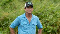 Jeff Probst hosts SURVIVOR