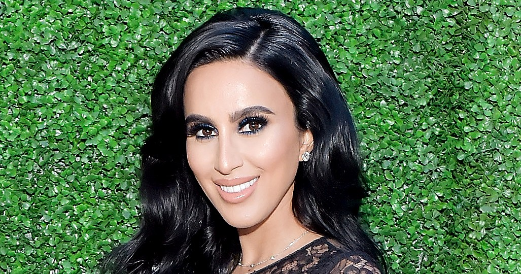 Lilly Ghalichi Shows Stomach 4 Weeks After Giving Birth