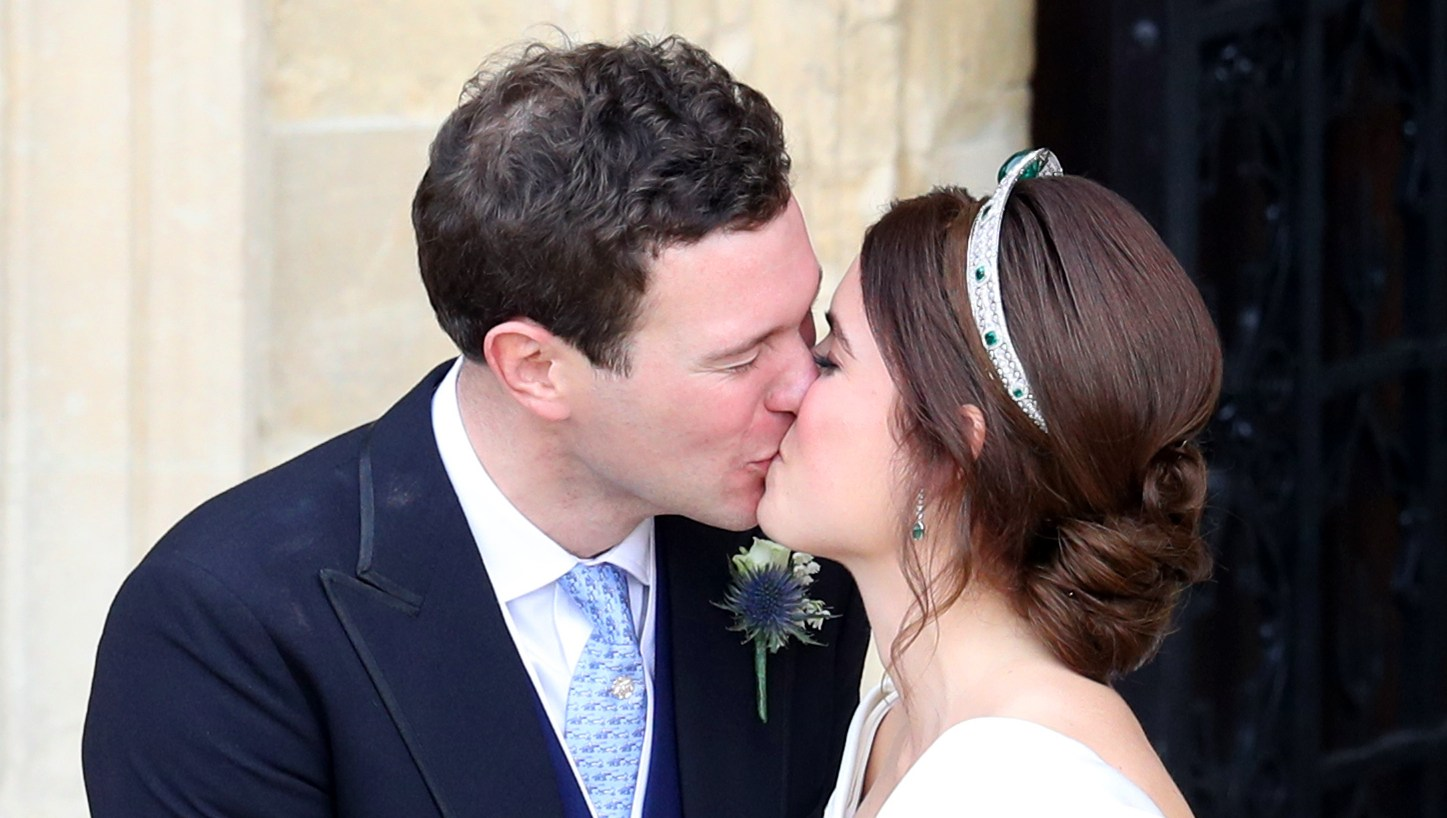 princess eugenie-jack-wedding-kiss
