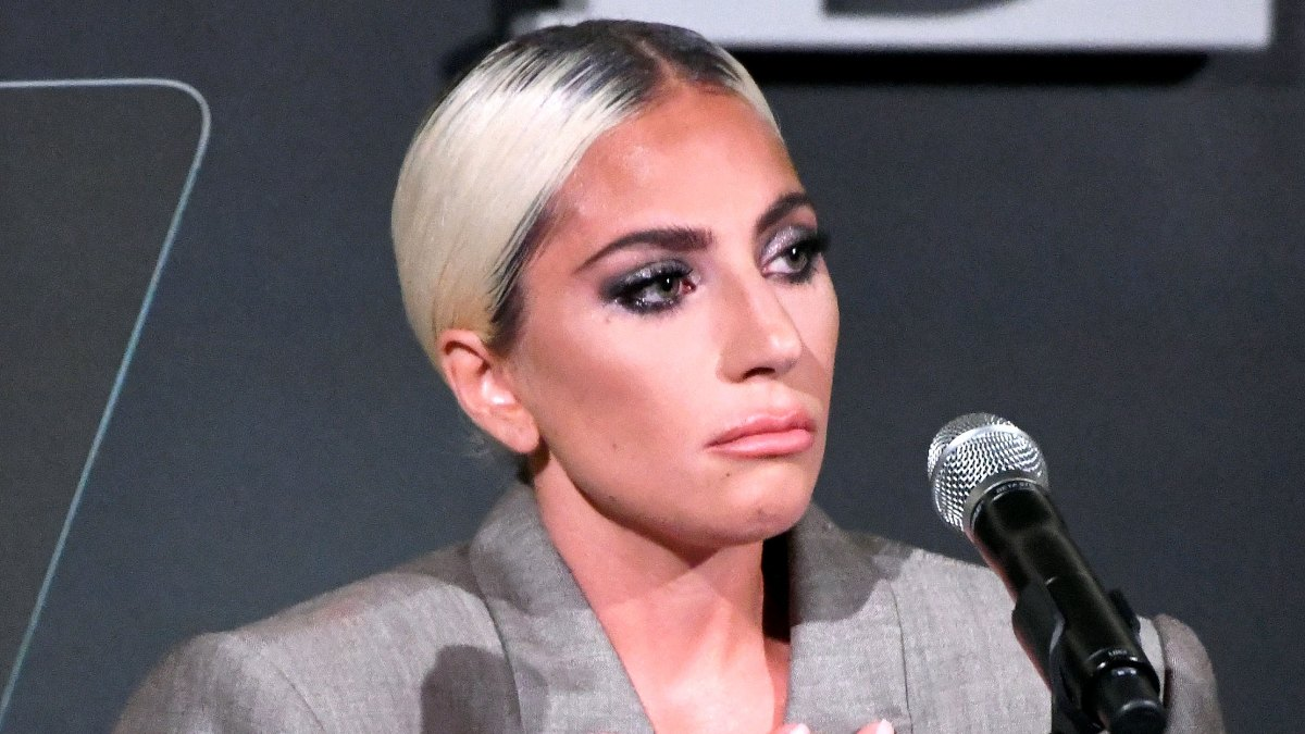 Lady Gaga\'s Pink Engagement Ring from Christian Carino: Pics