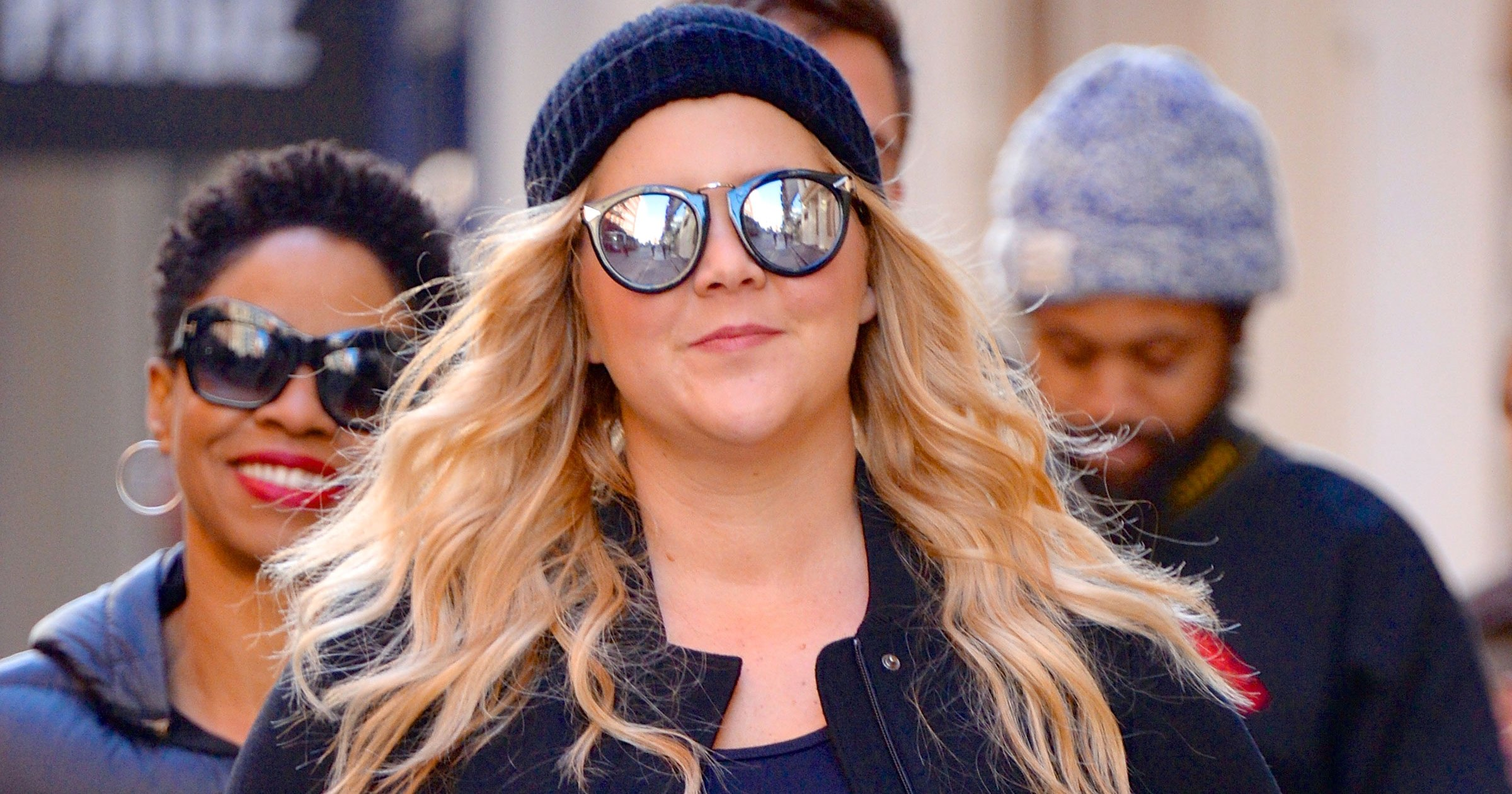 Pregnant Amy Schumer Vomits on the Way to Comedy Show