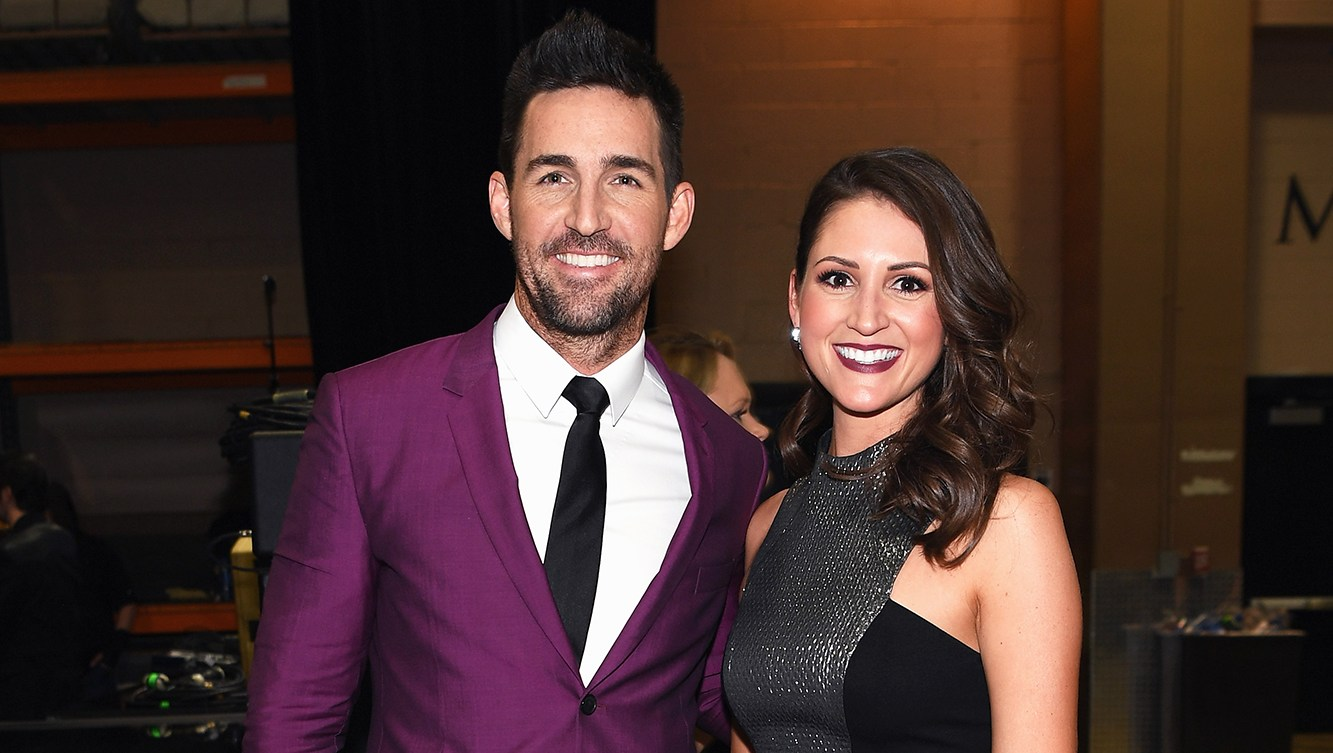 Jake Owen's Girlfriend Erica Hartlein Is Pregnant, Expecting Their First Child Together