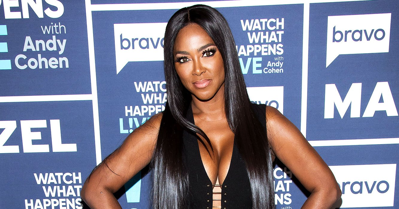 'Real Housewives of Atlanta' Alum Kenya Moore Shows Off Abs 3 Weeks After Giving Birth