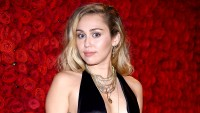 Miley-Cyrus-teases-new-music