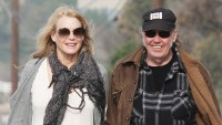 Daryl Hannah Neil Young Confirm Marriage