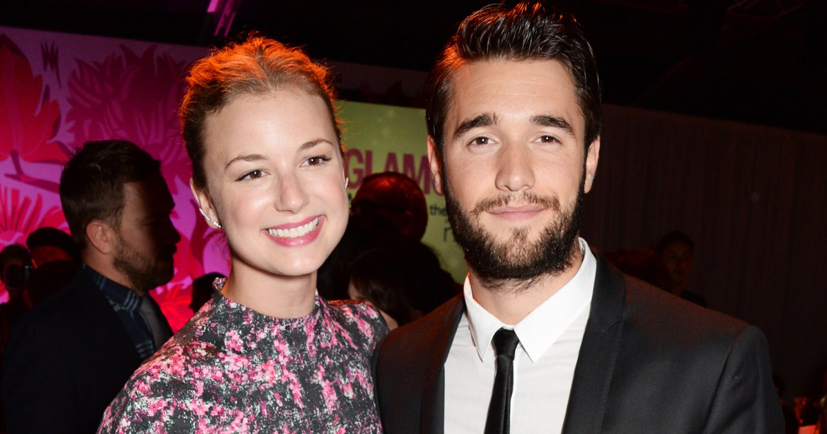 are emily and daniel from revenge dating in real life