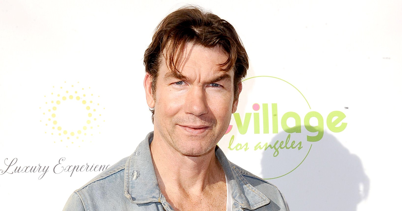 Jerry O'Connell Nearly 'Almost Fell Off the Roof Twice' While Installing Christmas Lights