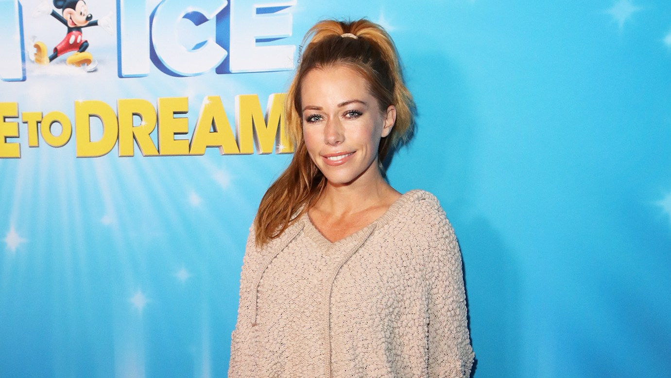 Kendra Wilkinson Isn't Dating: 'Guys Are Hitting Me Up, But I Want Nothing to Do With It'