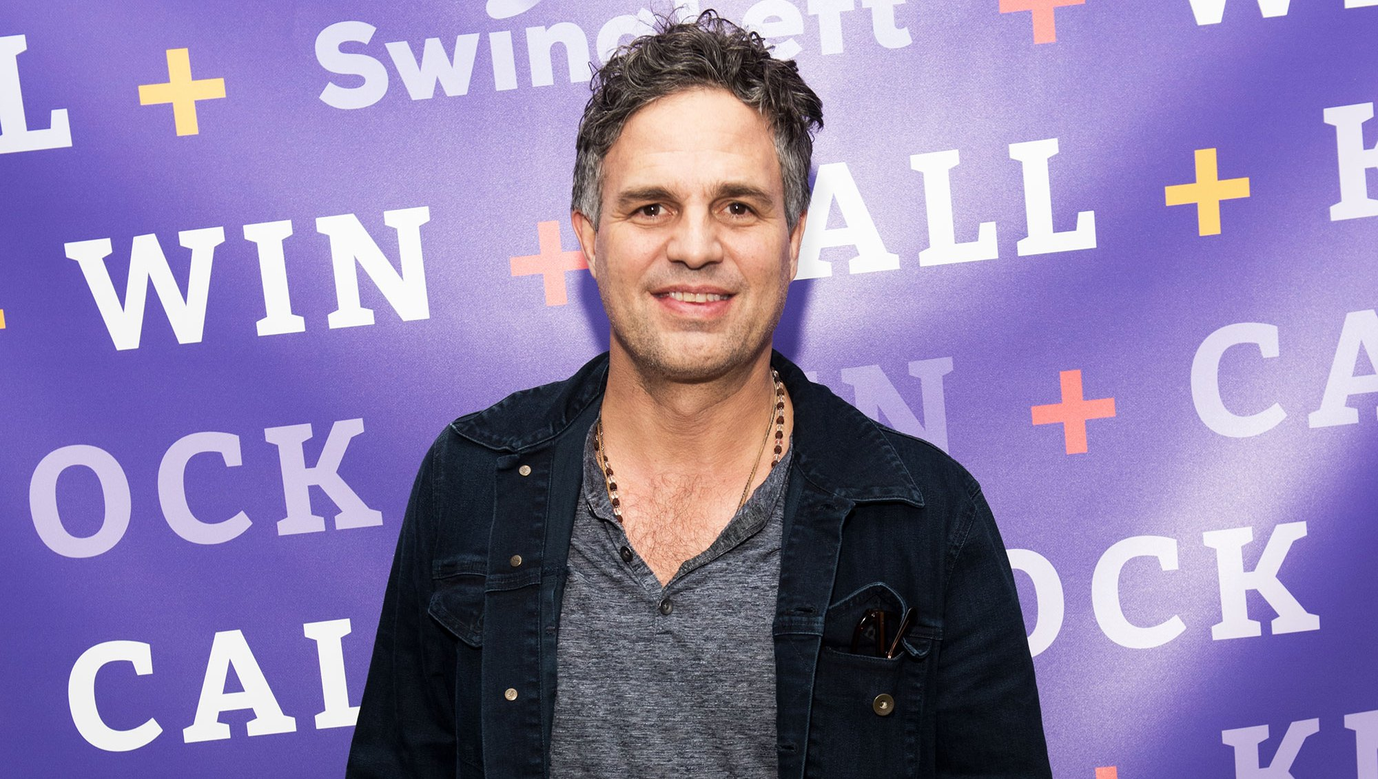 Mark Ruffalo Gives Away $100 Starbucks Gift Card to Encourage Others to Pay it Forward