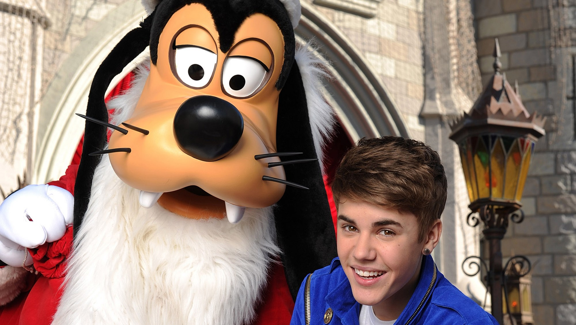 Celebs Reveal How They Found Out Santa Is Not Real