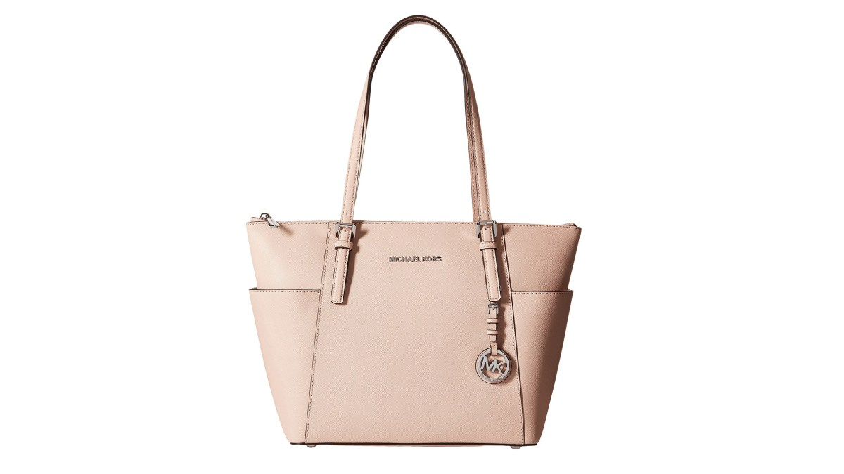 c87d3e54b786 Shoppers Are Obsessed With this Michael Kors Bag and It's Obvious Why