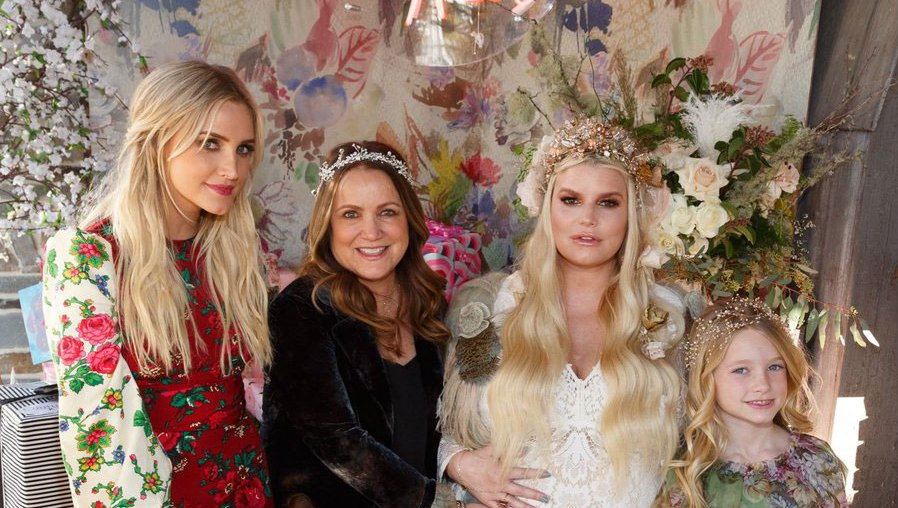 Jessica-Simpson-baby-shower