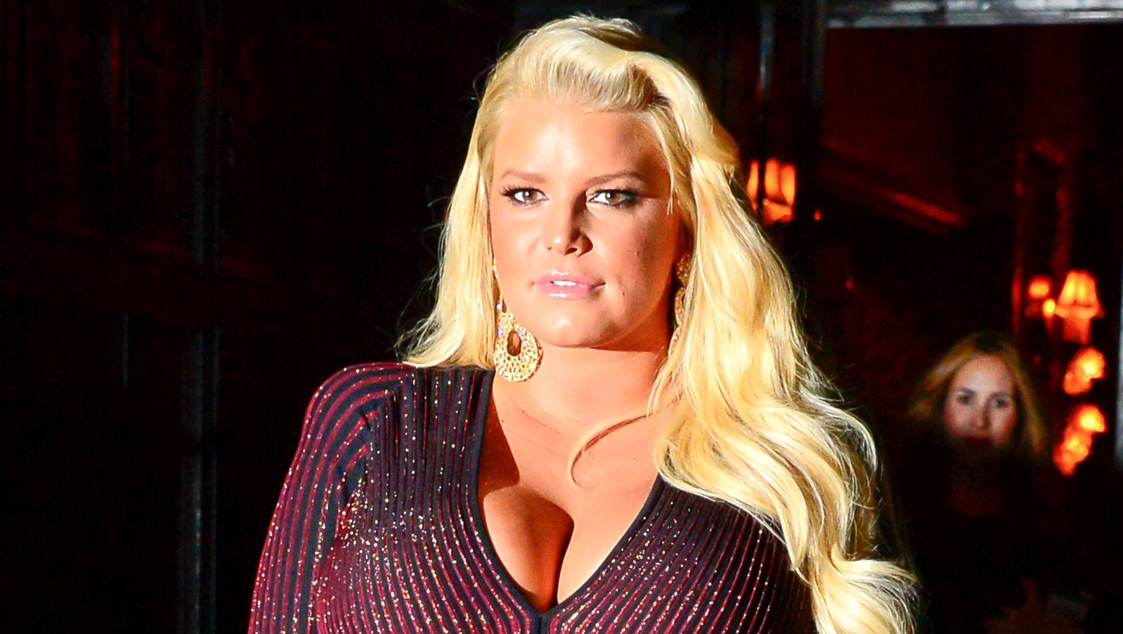 Pregnant Jessica Simpson Asks Fans for 'Help' After Revealing Extremely Swollen Foot