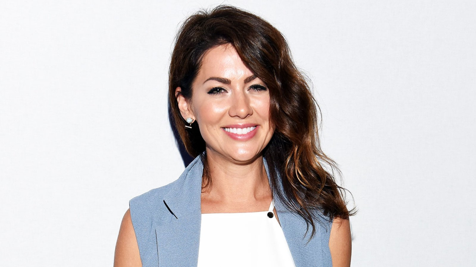 1082d59589a3 Former Bachelorette Jillian Harris Tells Us About Her Cozy Smash + Tess  Loungewear Collection