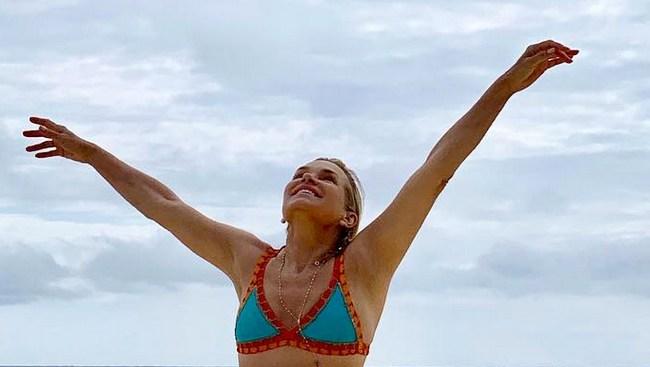 Yolanda-Hadid-bikini