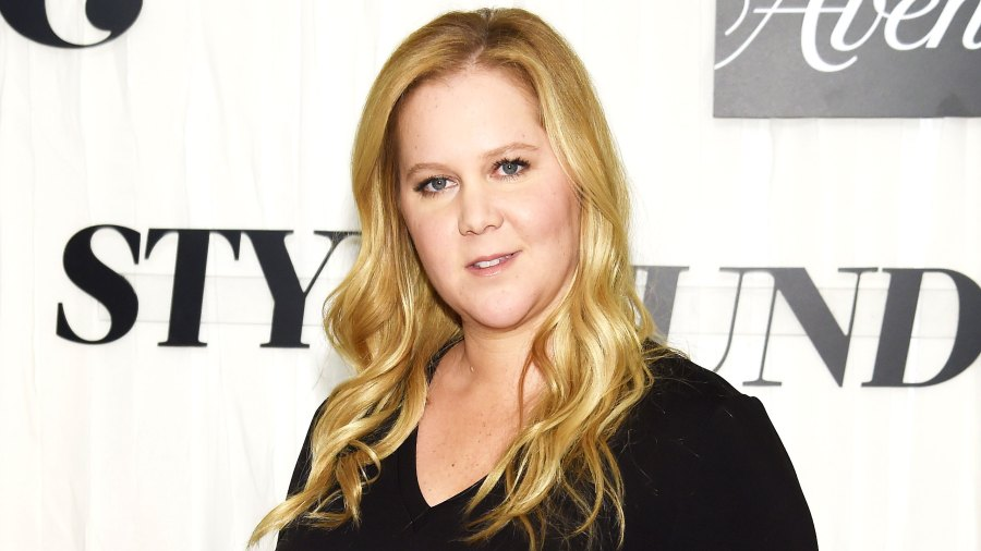 Pregnant Amy Schumer Jokes She 'Couldn't Have Worn A Worse Bra' With Red Carpet Maternity Look